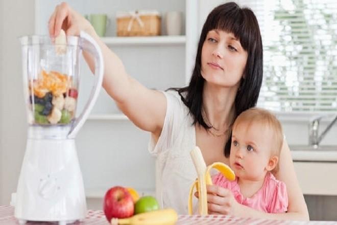 cho bé ăn sinh tố các loại hoa quả