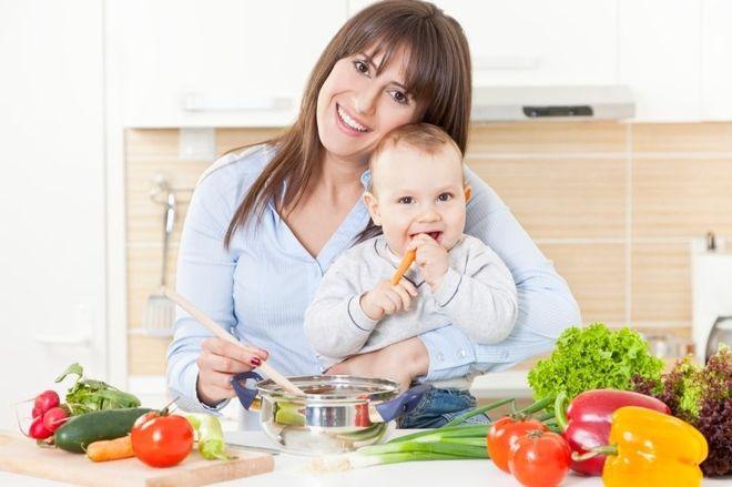 mẹ ăn nhiều thực phẩm nhuận tràng là cách chữa táo bón cho trẻ sơ sinh hiệu quả