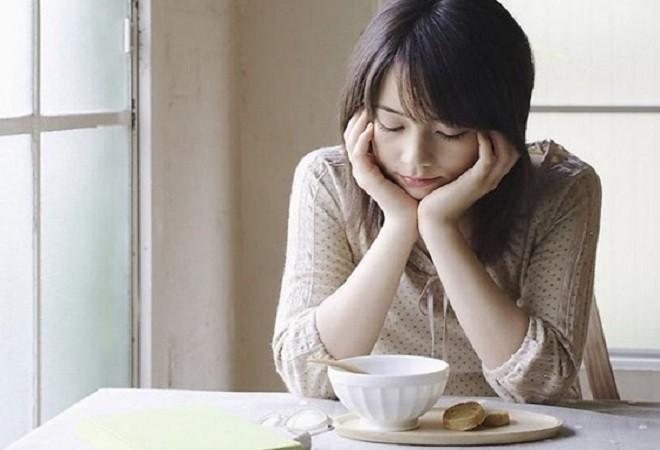 phụ nữ chán ăn