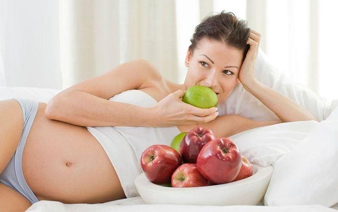 Bà bầu ăn trái cây