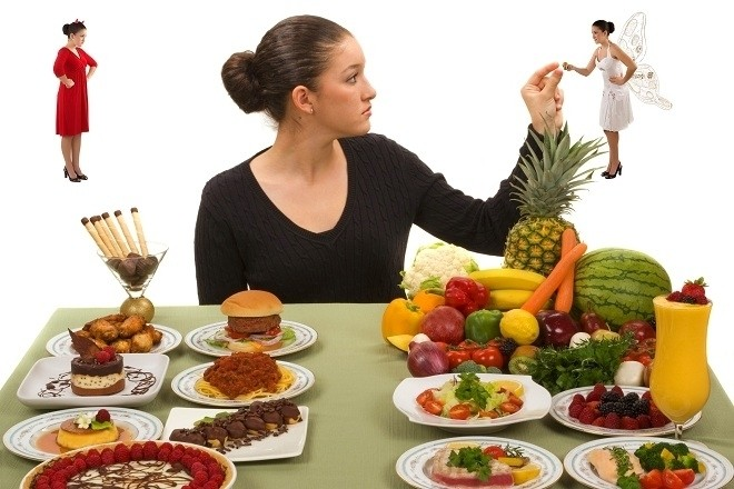 mẹ bầu nên ăn đủ bữa và đủ lượng thức ăn mỗi ngày
