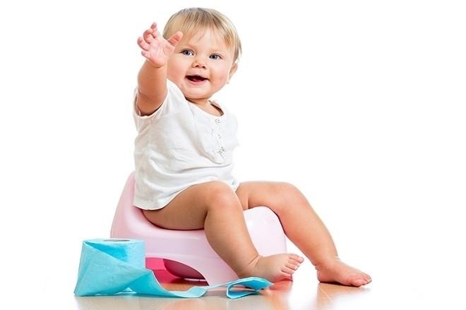 trẻ sơ sinh đi tiểu nhiều không phải lúc nào cũng nguy hiểm