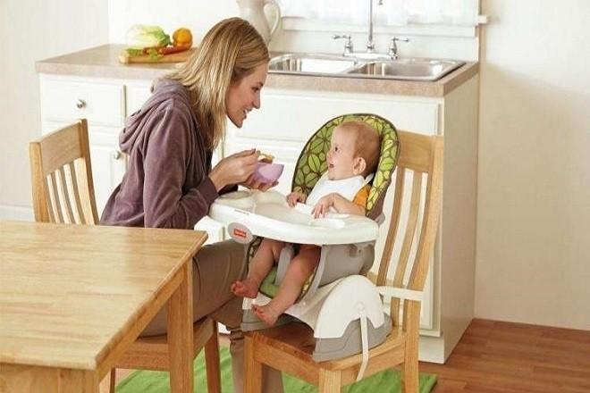 Thay đổi lại chế độ ăn uống của bé cho phù hợp và khoa học