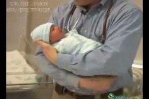 Cách quấn chăn giữ ấm cho bé sơ sinh