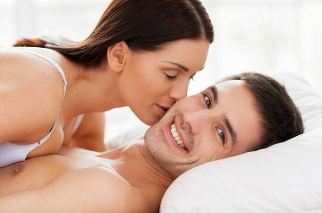 Các cặp vợ chồng nên chọn những tư thế quan hệ tránh tác động mạnh