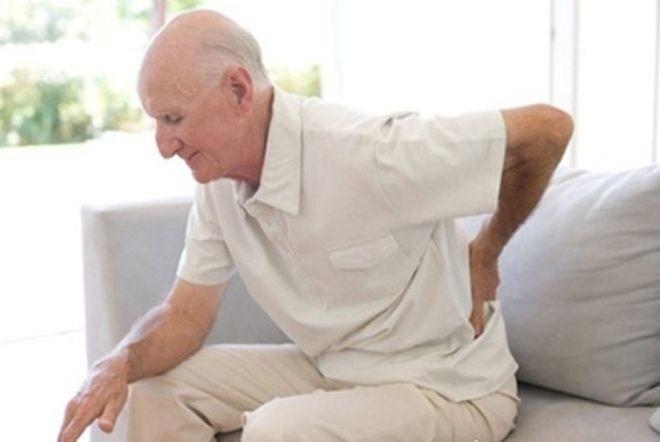 rượu ba kích giúp trị đau lưng hiệu quả