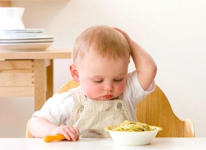 trẻ biếng ăn có thể do bệnh lý đường ruột