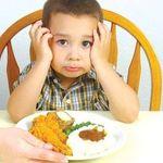 Dấu hiệu nhận biết trẻ biếng ăn do tâm lý và cách khắc phục