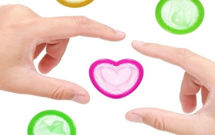 Sử dụng bao cao su thay vì thuốc tránh thai khẩn cấp