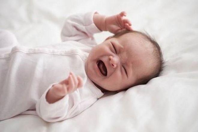 em bé không chịu bú sữa