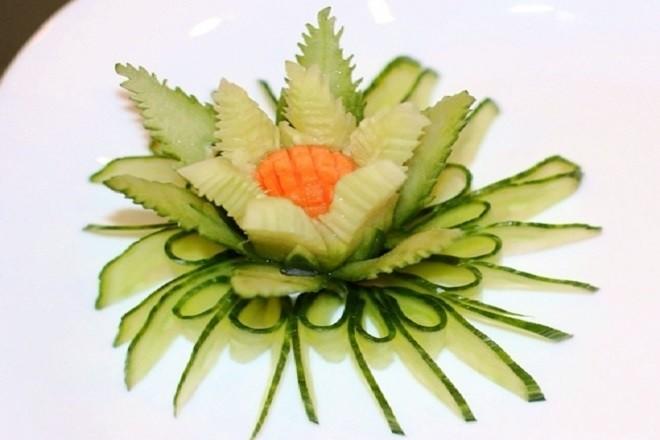 tỉa hoa quả nghệ thuật từ dưa chuột