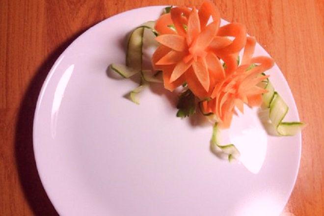 tỉa hoa quả nghệ thuật từ cà rốt