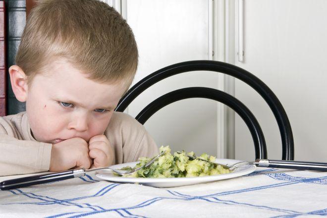 trẻ không muốn thử các loại thức ăn mới