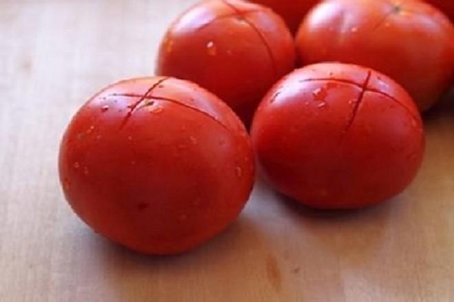 cà chua khía chữ thập