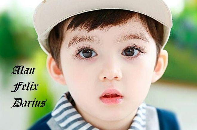 cậu bé đẹp trai có đôi mắt to