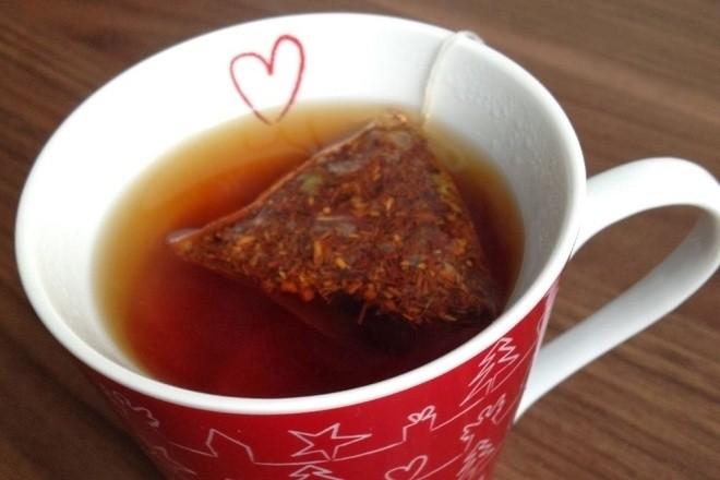ngâm túi trà
