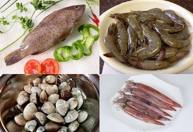 chuẩn bị hải sản để nấu lẩu