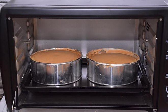 cho bánh vào lò nướng