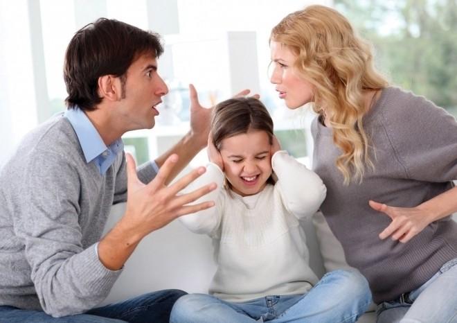 Bố mẹ cãi nhau