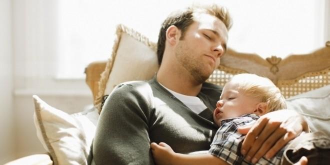 Bố và con trai ngủ