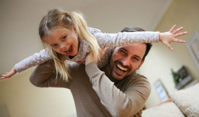 Bố đơn thân có con gái vừa vui vừa cực