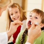 Trẻ bị viêm họng liên cầu khuẩn: Hướng điều trị và chăm sóc