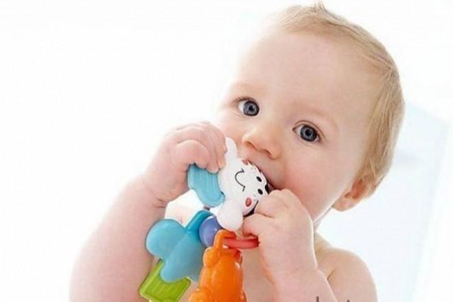 Trẻ 11 tháng có khả năng thích ứng
