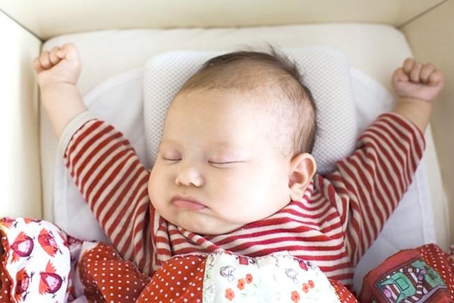 Trẻ 2 tháng tuổi