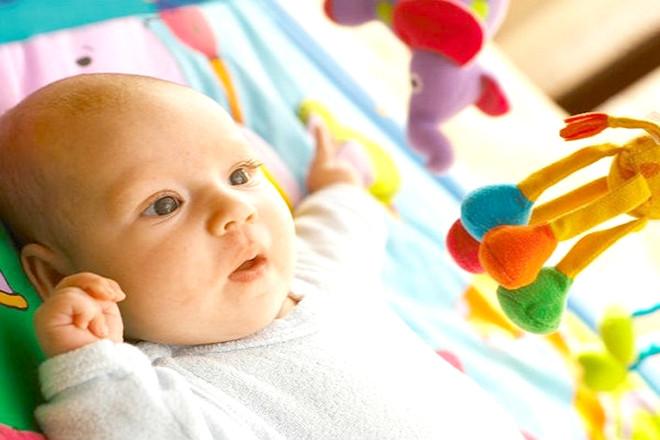 Trẻ 2 tháng tuổi có nhiều thay đổi