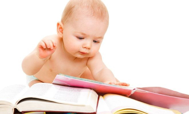 Trẻ thích tìm tòi khám phá