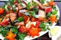 Cách làm cá hồi lúc lắc cực ngon, thơm lừng cả gian bếp
