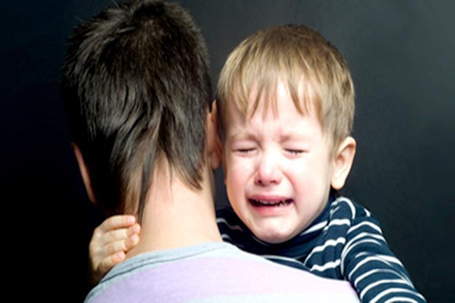 Bố hãy thay mẹ dần dần trong việc chăm sóc trẻ