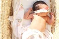 Cách tắm nắng cho trẻ sơ sinh và những điều mẹ cần biết