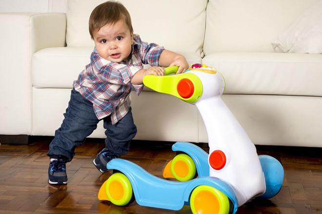Xe tập đi còn tiềm ẩn nhiều rủi ro nguy hiểm cho bé