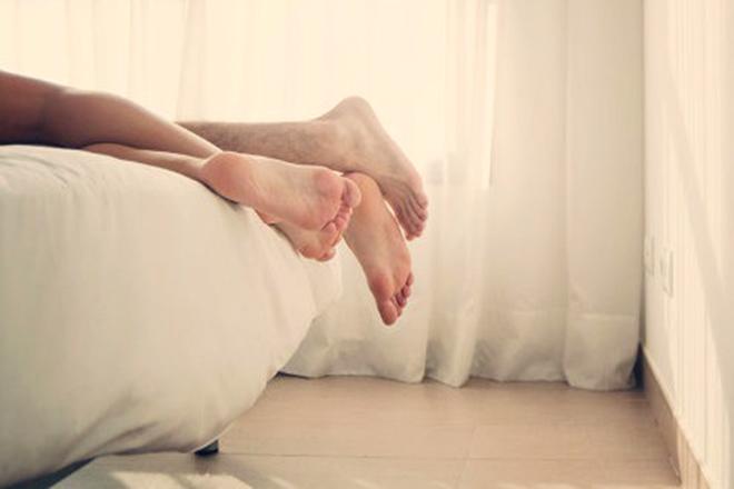 Tư thế truyền thống trong quan hệ vợ chồng sẽ giúp tinh binh có thêm sự hỗ trợ cho chặng bơi của mình.
