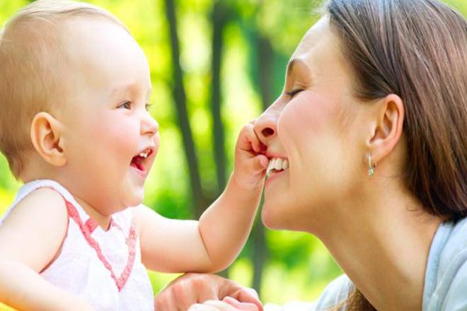 Trẻ tập nói sớm
