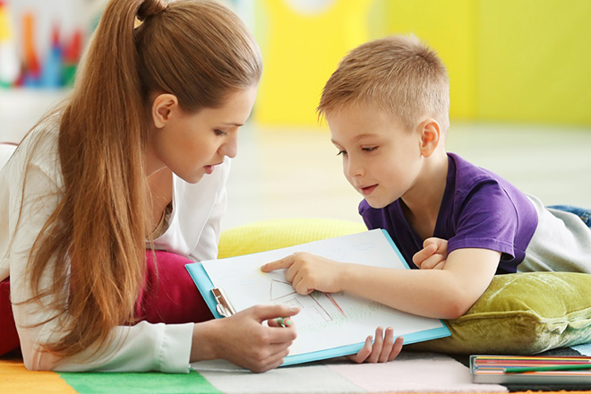 Ghi nhận thành tích của trẻ và thưởng cho trẻ một đặc quyền nào đó cho thành tích ấy