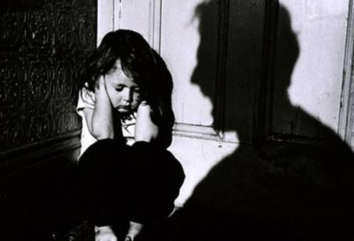 Tâm lý trẻ bị bạo hành - vấn đề nghiêm trọng mà bố mẹ không nên thờ ơ