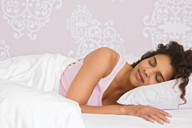 Nằm nghỉ ngơi dù bạn không ngủ được