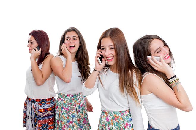 Teen dễ trượt dài trong cuộc sống ảo vì mạng xã hội