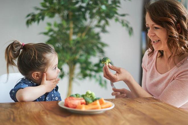 Khuyến khích trẻ ăn thử