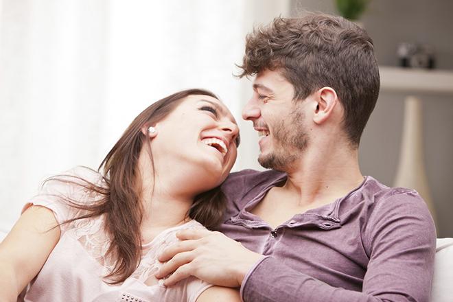 Thời điểm quan hệ và tư thế cũng nên được vợ chồng bạn lưu ý.
