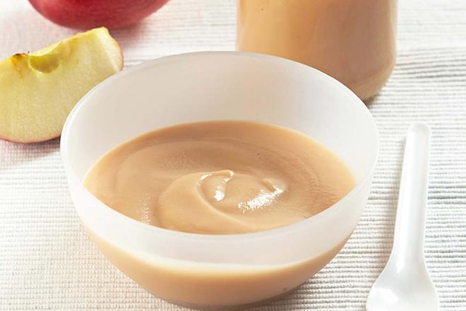 Thức ăn cho trẻ 6 tháng cần nhuyễn mịn.
