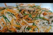 Cách xào bún khô với tôm thịt rau củ