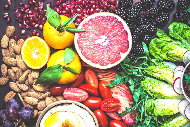 Ăn nhẹ với rau củ quả và các loại hạt