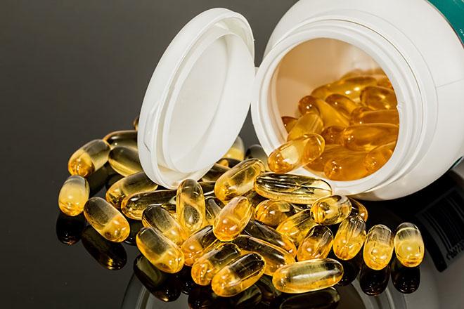 Uống viên bổ sung vitamin và khoáng chất
