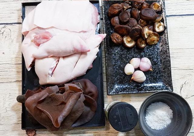 nguyên liệu món thịt chân giò nấu đông