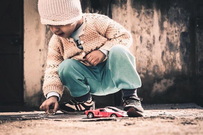 Cho trẻ thoải mái chơi những món đồ chơi yêu thích
