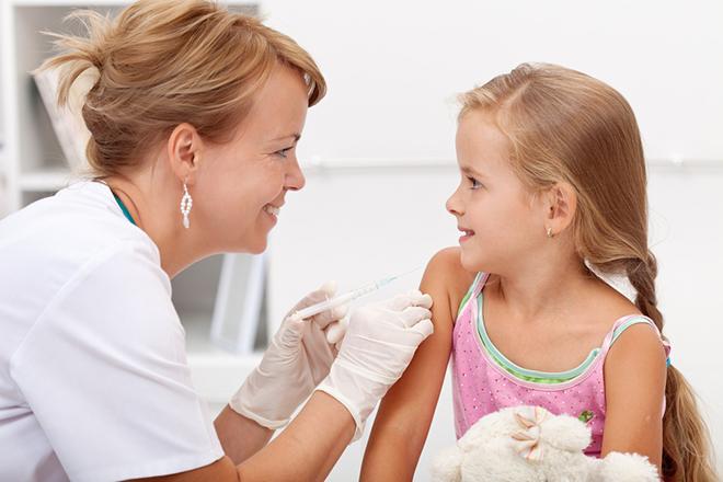 Tiêm phòng sởi cho trẻ trước khi đến các vùng lân cận bệnh dịch