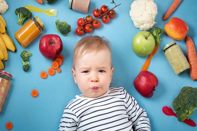 Chế độ dinh dưỡng cho bé 9 tháng